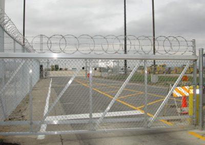 AIRPORT GATE DSC00713 SINGLE TRACK SLIDE